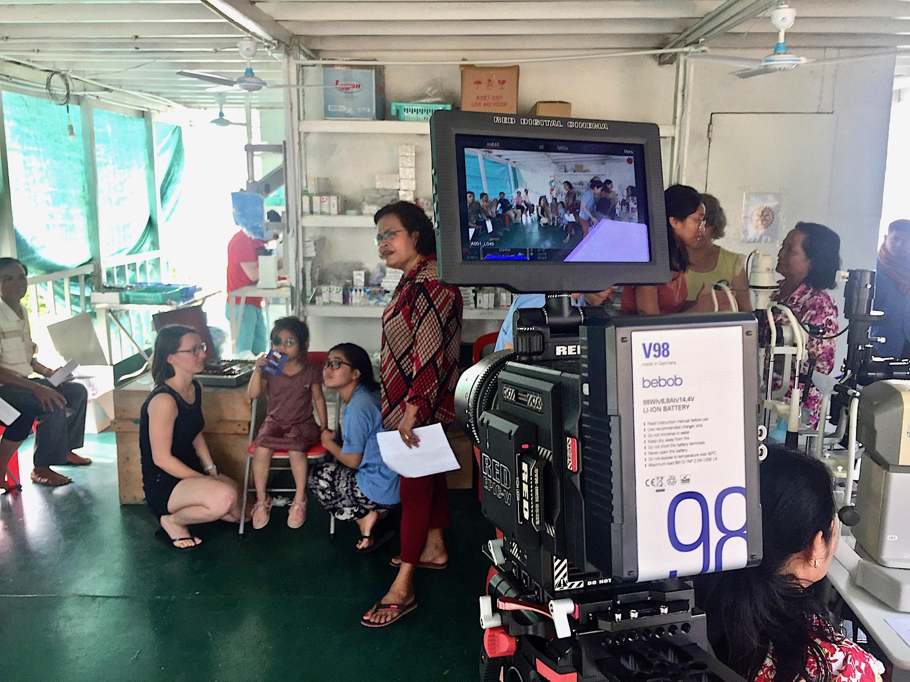 """A Child's Smile"" – unsere V98 V-Mount Akkus mit Jérôme Dolbert in Kambodscha"